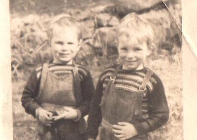 1957. Dallas and John Age4